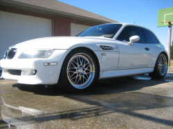 2000 BMW M Coupe in Alpine White 3 over Dark Beige Oregon - Front 3/4